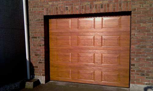 Montage d une porte de garage porte de garage avec for Tarif pose porte de garage